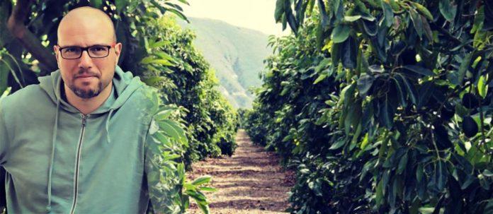 Μανώλης Λεράκης: Ο νέος αγρότης που παντρεύει το αβοκάντο Κρήτης με φέτα, ελιά και ξίδι