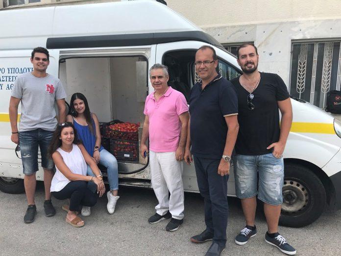 Δωρεά βιολογικής τομάτας του ΓΠΑ στο Κέντρο Αλληλοβοήθειας Πολιτών του Δήμου Αθηναίων
