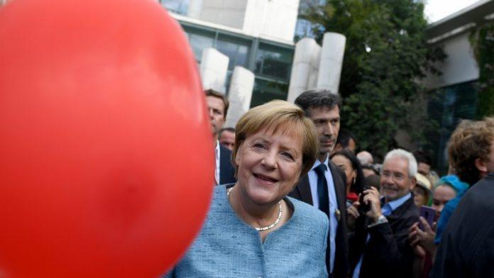 Η καγκελάριος της Γερµανίας, Άνγκελα Μέρκελ, τάσσεται ενάντια στην υιοθέτηση πιο φιλόδοξων στόχων για το κλίµα από την ΕΕ.