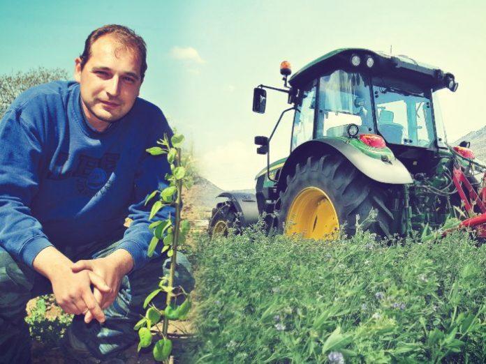 Ο 36χρονος αγρότης που άφησε τη θέση στην τράπεζα για να εξελίξει τις καλλιέργειες του πατέρα του