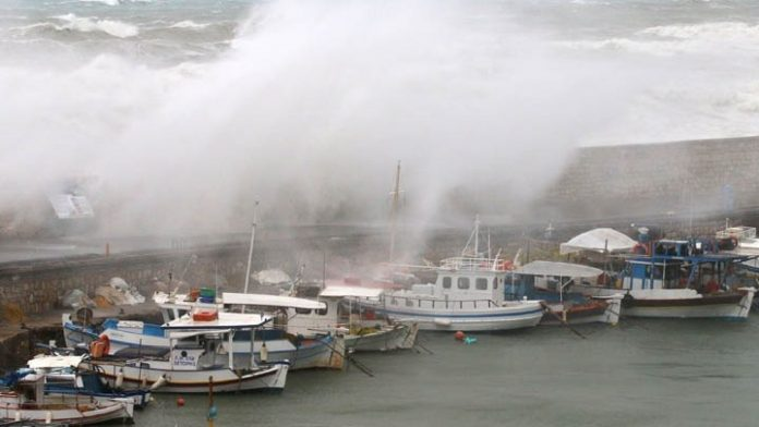 Πού και πώς θα χτυπήσει ο κυκλώνας - Τι πρέπει να κάνουν οι πολίτες