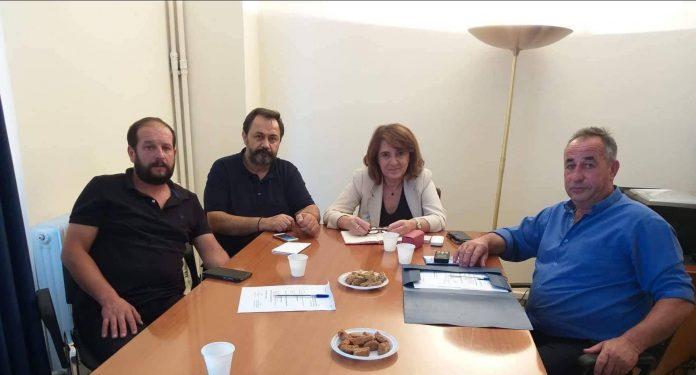 Σύσκεψη Τελιγιορίδου με αγρότες του Ρεθύμνου για τις ελληνοποιήσεις σε γάλα και κρέας