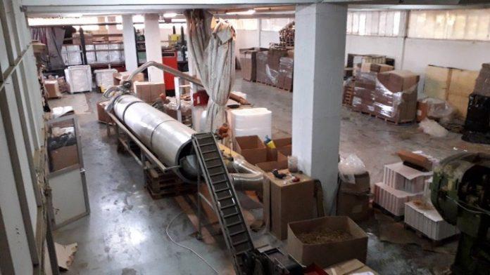Θεσσαλονίκη: Εντοπίσθηκε παράνομο εργοστάσιο παρασκευής - συσκευασίας λαθραίων τσιγάρων