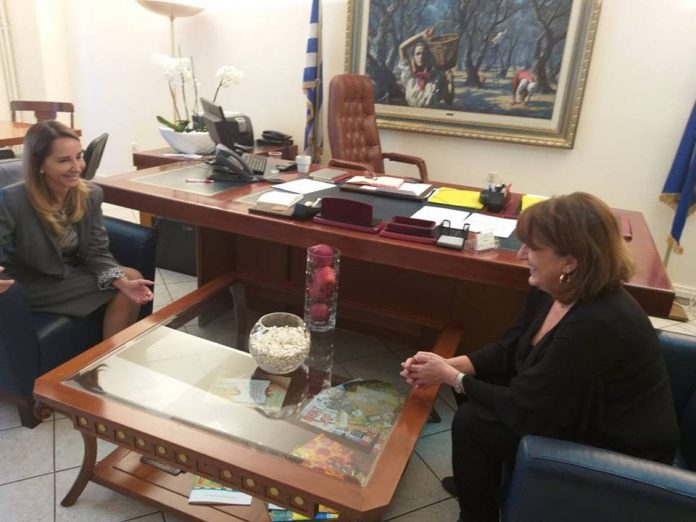 Η αγροτική ανάπτυξη και η ασφάλεια τροφίμων στα θέματα συζήτησης Τελιγιορίδου με την Πρέσβειρα της Χιλής