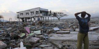 Σταματούν οι έρευνες επιζώντων στην Ινδονησία - αγνοούνται περίπου 5.000 ανθρώπων (συγκλονιστικό βίντεο)