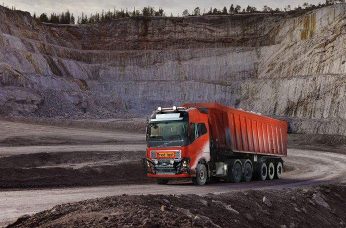 Η Volvo Trucks προσφέρει αυτόνομη λύση μεταφοράς στην Brønnøy Kalk AS