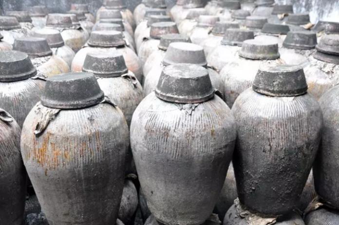 Δοχείο με κρασί ηλικίας 2.000 ετών εντοπίστηκε μέσα σε τάφο στην Κίνα