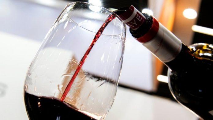 Ικανοποίηση από τον Σύνδεσμο Ελληνικού Οίνου για την κατάθεση της τροπολογίας κατάργησης του ΕΦΚ στο κρασί