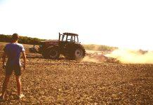 Μόνο το 6%-7% του συνολικού αριθμού των αγροτών είναι κάτω των 35 ετών