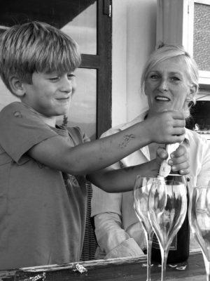 Η Αννέτε Βαν Κάµπεν µε τον γιo της, Joris