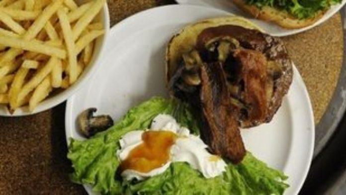 Οι μερίδες των περισσότερων εστιατορίων έχουν πιο πολλές θερμίδες ακόμη και από τα «φαστ φουντ»