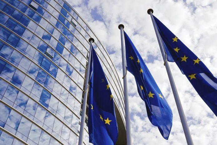 Ευρωβαρόμετρο: Μακράν οι πιο δύσπιστοι και αρνητικά διακείμενοι απέναντι στην ΕΕ οι Έλληνες