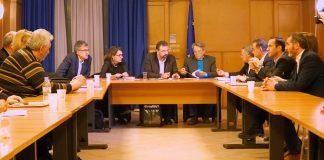 Με εντάσεις και συμφωνίες: Πληρωμές, δασικοί, βοσκότοποι και δακοκτονία στη συνάντηση ΥΠΑΑΤ - Περιφερειαρχών