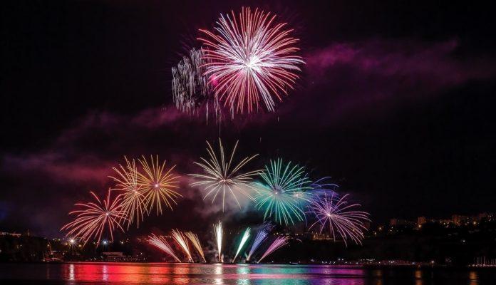 Πάνω από 4.000 πυροτεχνήματα θα φωτίσουν τον ουρανό της Θεσσαλονίκης την Πρωτοχρονιά