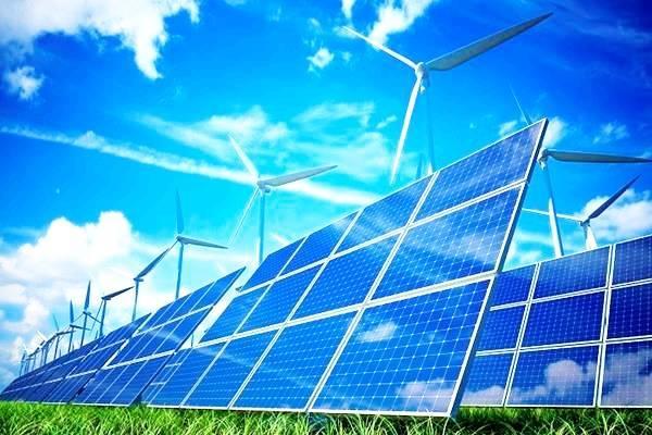 Τετραπλασιασμός στις επενδύσεις για εγκαταστάσεις ηλιακής ενέργειας