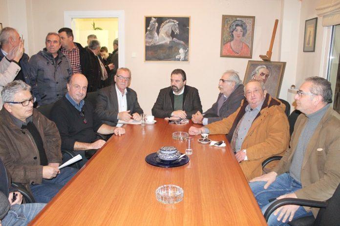 Λύση για διήμερους αμβυκούχους, de minimis σε ροδακινοαχλαδοπαραγωγούς υποσχέθηκε ο Αραχωβίτης από τον Τύρναβο