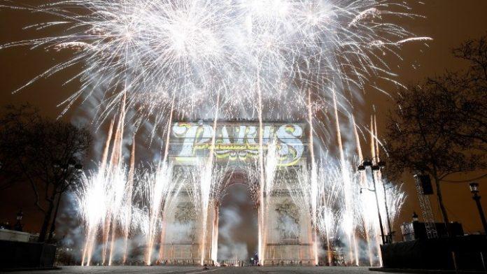 Με πυροτεχνήματα υποδέχτηκε το νέος έτος ολόκληρος ο κόσμος 8d45d268af6