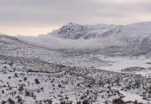 Συνεχίζεται η κακοκαιρία στη Κρήτη με χιόνια στα ορεινά και προβλήματα στους αγροτικούς δρόμους