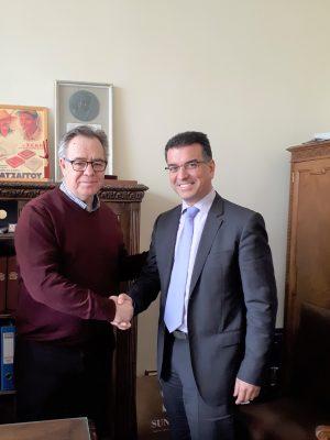 O γενικός διευθυντής της ΣΕΚΕ, Αλ. Κοντός, και ο πρόεδρος της NEUROPUBLIC, Φ. Χατζηπαπαδόπουλος