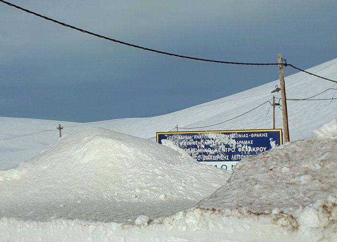 Συναγερμός για πιθανή χιονοστιβάδα στο Φαλακρό - Κλειστός ο δρόμος