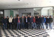 Χαμογελαστοί οι βαμβακοπαραγωγοί του Νομού Λάρισας, αμέσως μετά το μνημόνιο συνεργασίας που υπέγραψαν οι πέντε συνεταιρισμοί, για το θεσσαλικό συνεταιριστικό βαμβάκι, αναμένοντας μια καλύτερη τιμή τη νέα χρονιά.