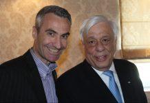 Ο Πρόεδρος της Δημοκρατίας ΠροκόπηςΠαυλόπουλος με τον ανταποκριτή της «ΥΧ» στη Θεσσαλία