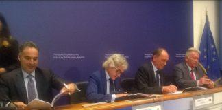 Υπογραφή συμβάσεων για έρευνα και εκμετάλλευση υδρογονανθράκων στο Ιόνιο
