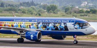 Ήρθε στην Κέρκυρα το αεροπλάνο των...στρουμφ
