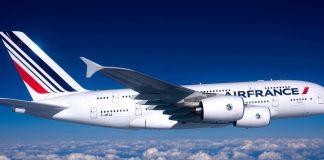 Σήμα κινδύνου εξέπεμψε αεροσκάφος της Air France