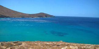 """Στη Σέριφο η πρώτη ελληνική """"smoke–free"""" παραλία"""
