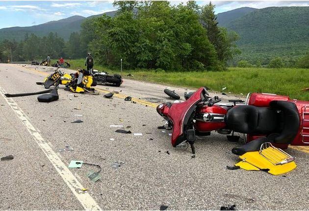 Εφτά νεκροί μοτοσικλετιστές σε σύγκρουση με αγροτικό φορτηγό στο Νιού Χάμσαϊρ