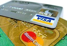 Μία πιστωτική κάρτα «καταπίνουμε» κάθε εβδομάδα, σύμφωνα με τη WWF