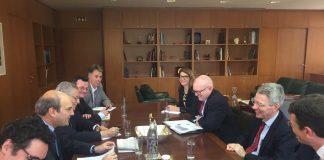 Οι επενδύσεις στον τομέα της ενέργειας, το θέμα της συνάντησης Χατζηδάκη με τον υφυπουργό Εξωτερικών των ΗΠΑ