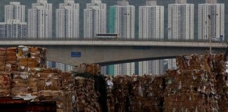 Η Ινδονησία επιστρέφει κοντέινερ με απορρίμματα σε Γαλλία και Χονγκ Κονγκ