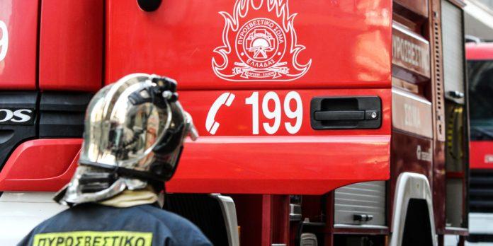 Πυρκαγιά στην Πανεπιστημιούπολη απέναντι από τη φοιτητική εστία