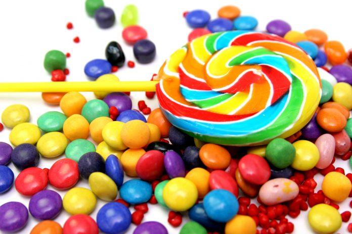 Έκκληση για εξοβελισμό των προϊόντων με ζάχαρη από τα σχολεία της Βρετανίας