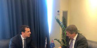 Η Φέτα στο επίκεντρο συνάντησης του Κώστα Σκρέκα με τονΑυστραλό Επιτετραμμένο Jon Philip