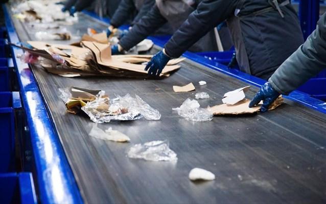 Κρίση εκ Κίνας για τις ευρωπαϊκές βιομηχανίες ανακύκλωσης χαρτιού