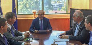 Με πανεπιστημιακούς του ΕΚΠΑ, για συνεργασία σε θέματα διαχείρισης υδάτων και απορριμμάτων, συναντήθηκε ο Κ. Χατζηδάκης