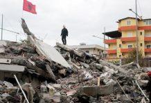 Η Αλβανία μετρά τις πληγές της, η ελπίδα «θάφτηκε» στα συντρίμμια, στους 49 οι νεκροί