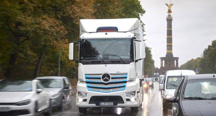 Η Daimler Truck AG στοχεύει σε έναν στόλο καινούργιων οχημάτων με πλήρως ουδέτερο ισοζύγιο άνθρακα