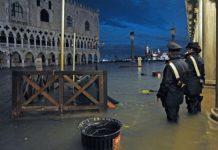 Ο δήμαρχος της Βενετίας κήρυξε την πόλη σε κατάσταση καταστροφής