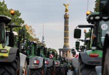 Χιλιάδες τρακτέρ στο Βερολίνο για τη διαδήλωση κατά των περιορισμών στη χρήση φυτοφαρμάκων