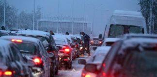 Διακόπηκε η κυκλοφορία και στα δύο ρεύματα της Αθηνών-Λαμίας (βίντεο)