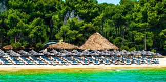 Conde Nast Traveler: H Σκιάθος το νησί με τις καλύτερες παραλίες του κόσμου
