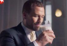 Ο εγγονός της βασίλισσας Ελισάβετ Β' Πίτερ Φίλιπς διαφημίζει γάλα στην Κίνα