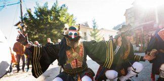 Καστοριά: Κέφι και χορός από τους χιλιάδες καρναβαλιστές στα Ραγκουτσάρια