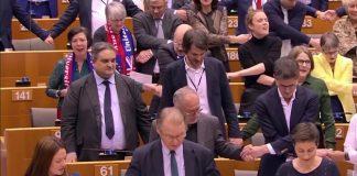 Με τον σκωτσέζικο ύμνο του αποχαιρετισμού το «αντίο» της Ευρώπης στη Βρετανία (βίντεο)