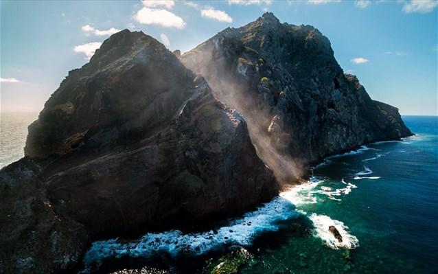 Ένα νησί στο οποίο κυριαρχούσαν τα αγριοκάτσικα για πάνω από έναν αιώνα… ξαναγεννιέται