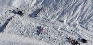 Χιονοστιβάδα με 21 νεκρούς στην Τουρκία, πολλοί εκ των οποίων μέλη σωστικών συνεργείων